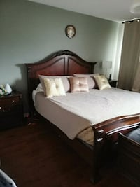 5 piece cherry colour king bed room set Vaughan, L4H 2Y4
