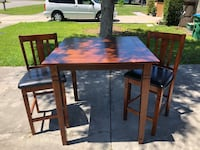 Table and Chairs Deltona, 32725