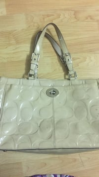 White and gray coach monogram tote bag Fremont, 94555