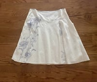White skirt with blue flowers size 18 Fairfax, 22030