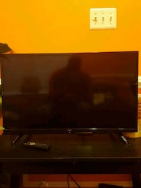 "32"" ONN TV WITH ROKU Dulles, 20166"