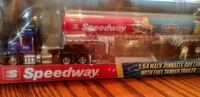 1:64 MACK PINNACLE DAY CAB WITH FUEL TANKER TRAILE