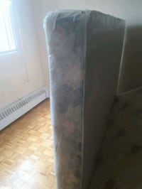Quest size mattresses and box  Montreal, H1M 2W4