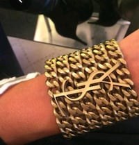 YSL hand chains comes in gold colour and silver colour, very elegant. Toronto, M4S
