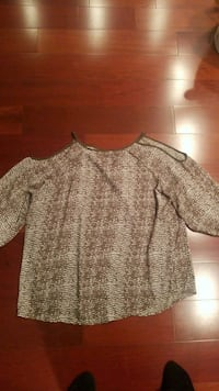 NEW Womens blouse Freehold, 07728