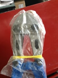 *Lowered to 29* - New never used medium to large size Bolt cutters Toronto, M6K 2E5