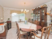 Complete dining set  Lakewood Township, 08701