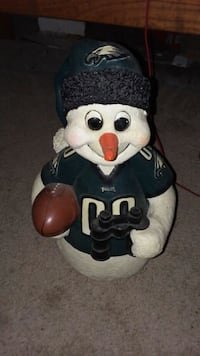 Hand carved snowman who happens to like the eagles Tabor City, 28463