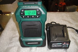 MASTERFORCE FLEXPOWER 18 OR 20 VOLT LITHIUM ION RADIO BATTERY AND CHARGER 9088-3