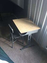 Kids desk Clarksville, 37042