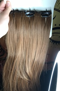 2 set of Clip in hair extensions