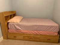 Solid wood bed *mattress not included* Markham, L3S 0C7