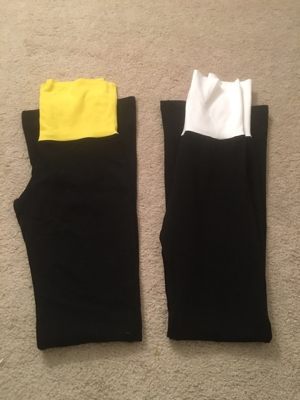 Yoga pants size small (selling together)