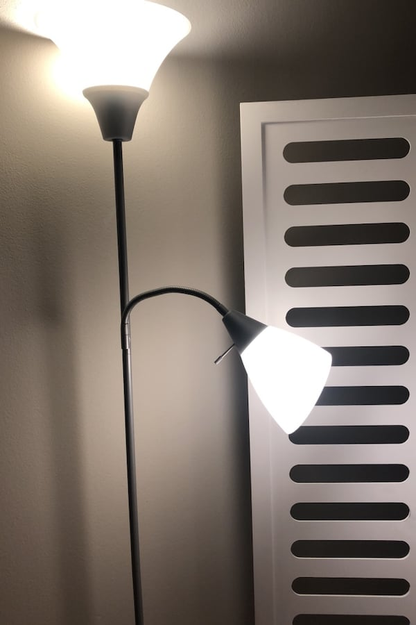 Grey and white floor lamp (2 extra bulbs included) 3