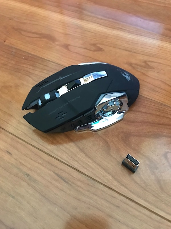 USB Wireless Rechargable Optical Gaming Mouse (2.4GHz) 113d6aac-c2e8-4dc2-82cf-198f99f4d831