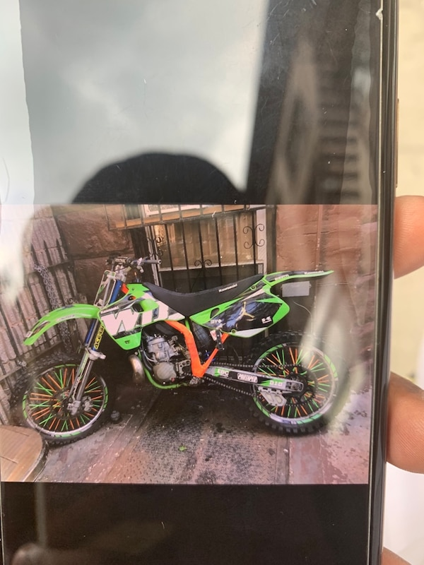 Kx 250 1992 need minor problems trades ?? Or $1000