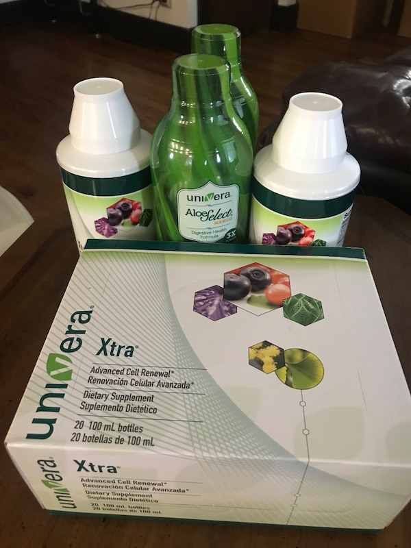 5e4f54cadac45f Used Two green and white plastic bottles for sale in San José - letgo