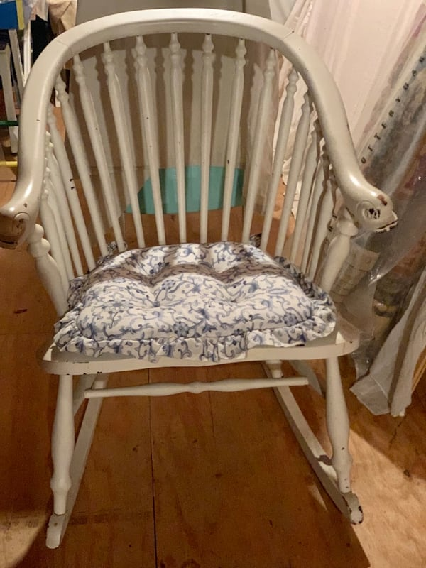 """VINTAGE ROCKING CHAIR! roughly 40"""" tall. Comes with blue and white cushion as seen in 3rd picture. Very sturdy!! a1c226f0-2b10-4ff3-877a-f5b1ac940227"""