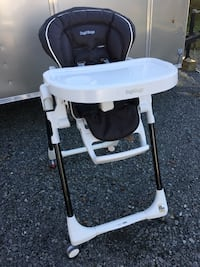 Baby's white and black high chair Leesburg, 20176