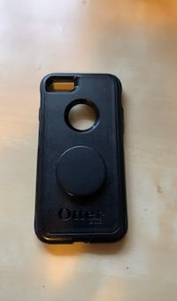 iPhone 8 Otterbox case with pop socket