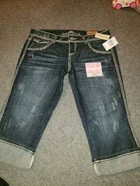 Almost Famous size 13 capris brand new