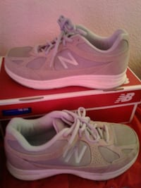 New Balance, shoes, 6 1/2 wide Los Angeles, 91335