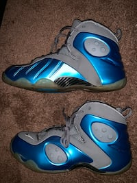 pair of blue-and-gray Nike basketball shoes District Heights, 20747