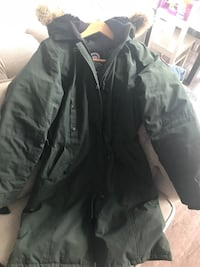Canada Goose zip-up jacket. Fur has never been used. Jacket is very gently used. Comes with warranty tags! Toronto, M9B