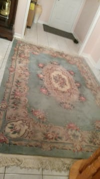 Persian Authentic Hand knotted Area Rug null