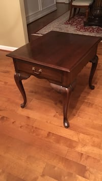 Brown wooden side/end table Perry Hall, 21128
