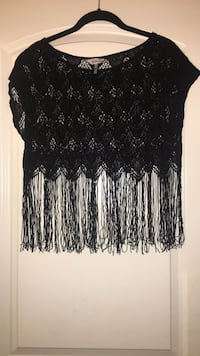 M/L black crochet and fring crop top  Triangle, 22172