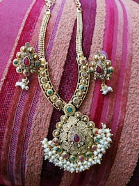 Necklace and Earring set 3730 km