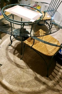 Glass table 4 chairs 167 obo Atlanta, 30331