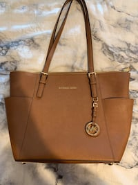 Michael Kors purse  Clarksburg, 20871