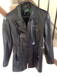Black leather ladies zip up jacket Danier leather Size small Worn once