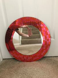 round red and white wooden framed mirror Ashburn, 20147