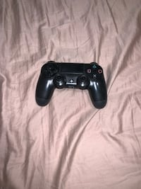 Used black PS4 controller Bristow, 20136