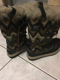 Sorel women boots size 6 Mississauga, L4Z 3T5