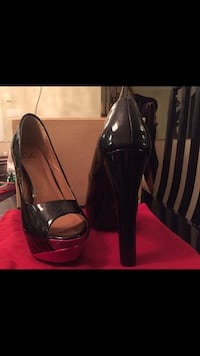 Black block high heels size 8 Brampton, L6R 3P5