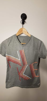 Nike Women`s shirt Size S 2pcs