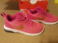 Nike Air Max Motion for little girl size 9C  Yukon, 73099