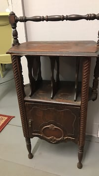 Antique smoking table Boiling Springs, 29316