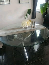 round clear glass top table with gray metal base Kitchener, N2E