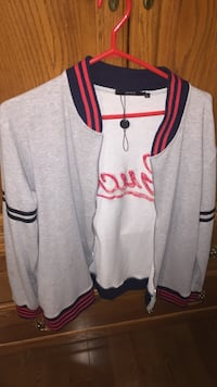 Gucci zip up sweater  Toronto, M6A