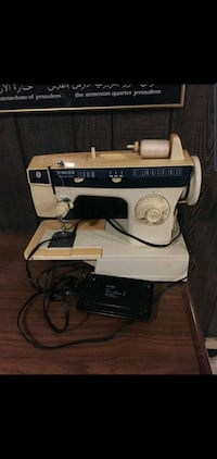 Vintage sewing machine Toronto, M2J 2J8