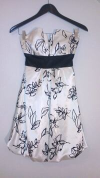 women's white and black floral sleeveless dress 1960 km