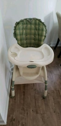 baby's white and gray high chair Frederick