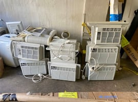 Almost new air conditioning units