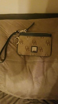 brown Dooney & Bourke leather crossbody bag Pleasant Grove, 35127