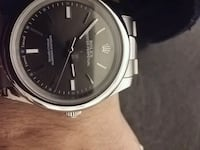 round silver-colored analog watch with link bracelet 3501 km
